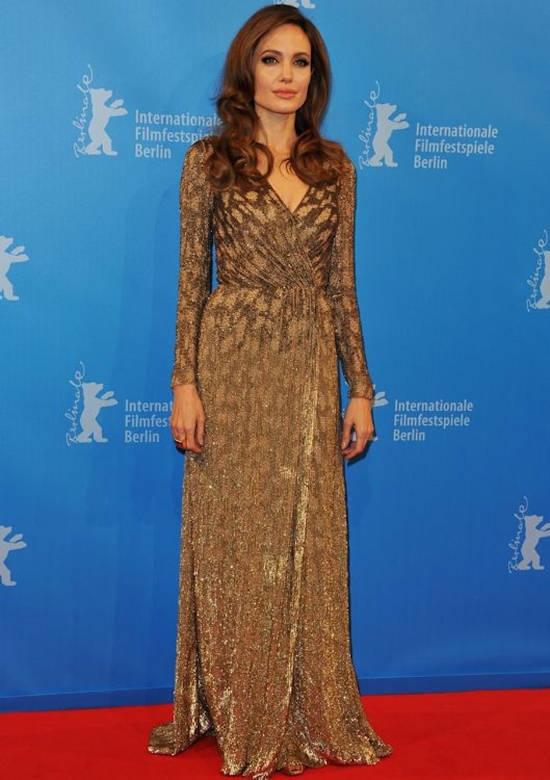 Festivalul de Film de la Berlin (februarie 2012) – rochie Jenny Packham si bijuterii Vhernier