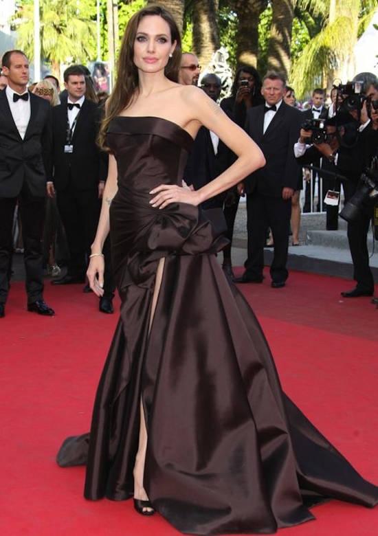 Festivalul de Film de la Cannes (mai 2011) – rochie Atelier Versace