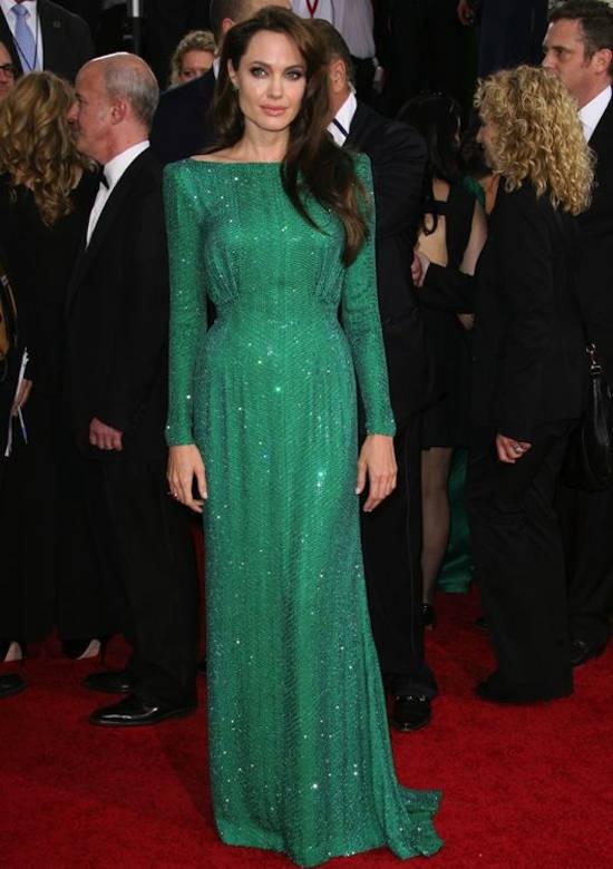 Globurile de Aur (ianuarie 2011) – rochie Atelier Versace si pantofi Salvatore Ferragamo