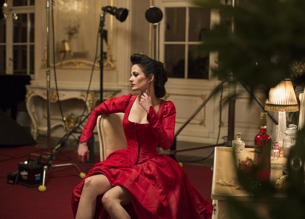 Eva Green vedeta noului calendar Campari
