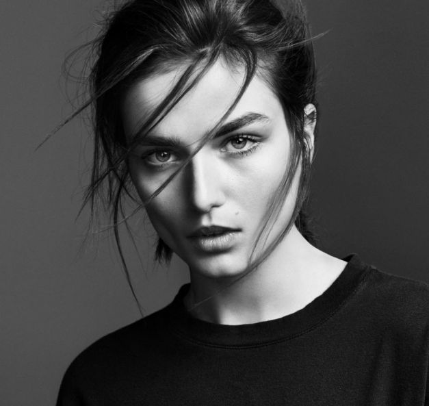 Modelul lunii august by Vogue - Andreea Diaconu 5