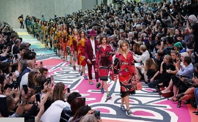 Brandul Burberry Prorsum la Saptamana Modei de la Londra 2