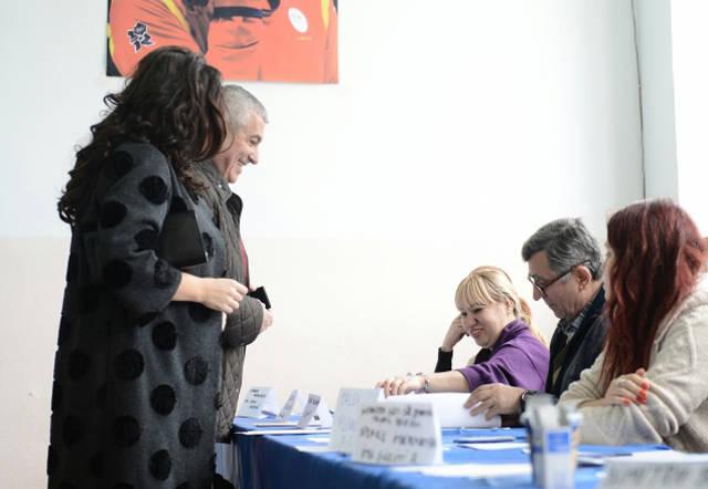 calin-popescu-tariceanu-sotie-vot