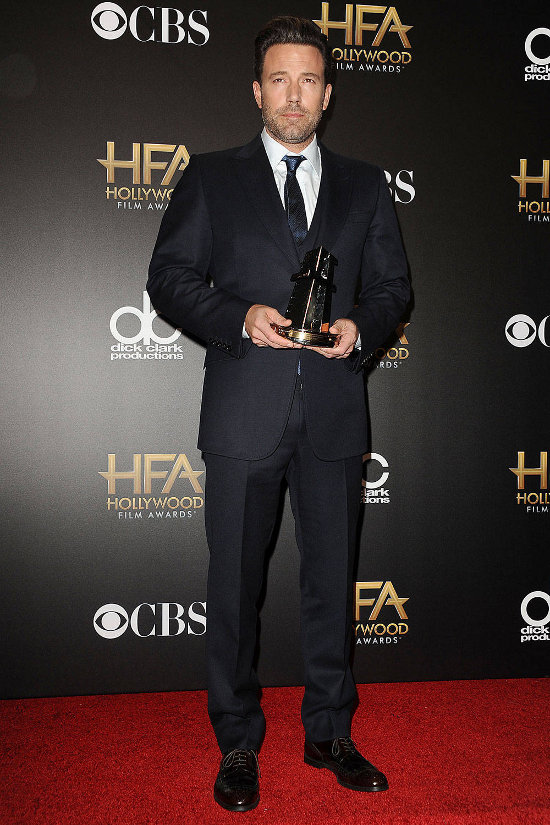 Ben Affleck – Hollywood Film Awards (costum Gucci)