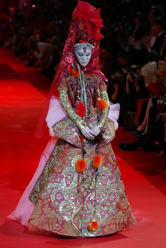 Christian Lacroix Haute Couture (2002)