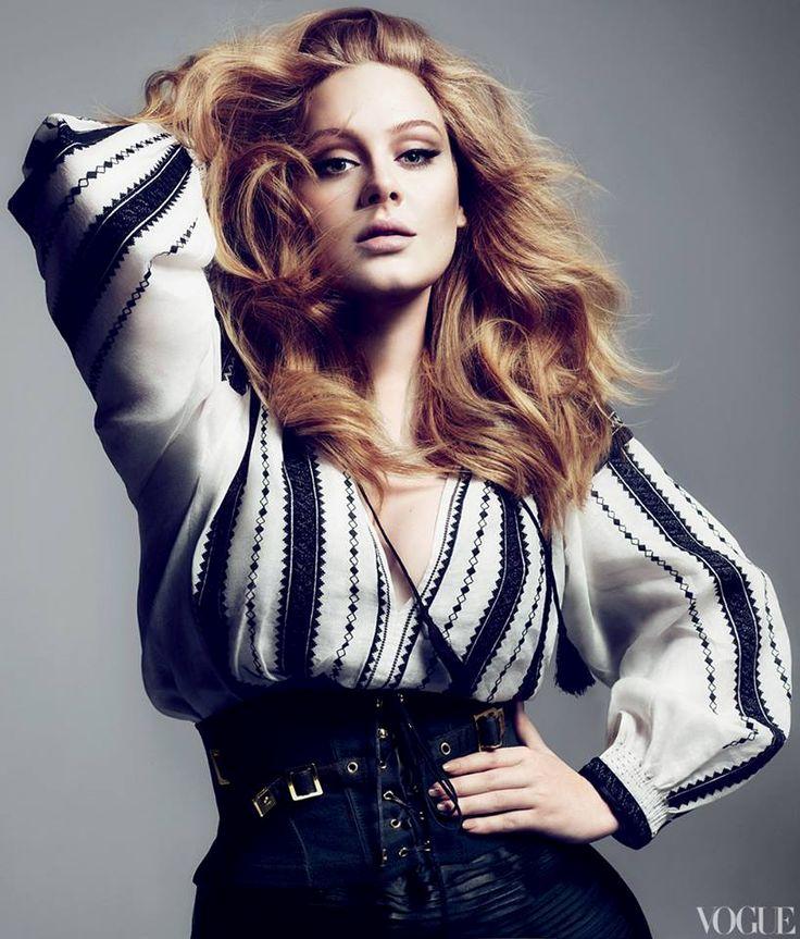 Adele într-o creaţie Tom Ford inspirată de ia românească pe coperta ediţiei britanice Vogue, în 2012