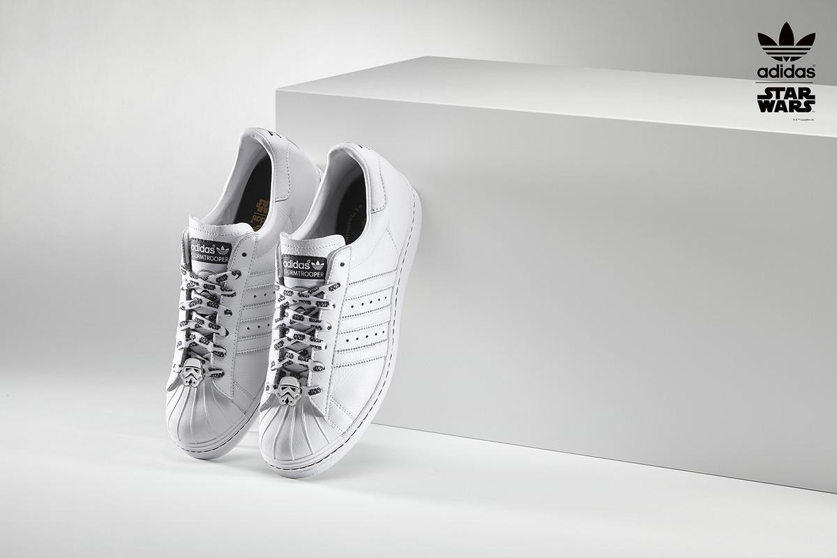Adidas lansează pantofi sport speciali pentru fanii Star Wars 0