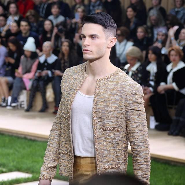 modelul Baptiste Giabiconi
