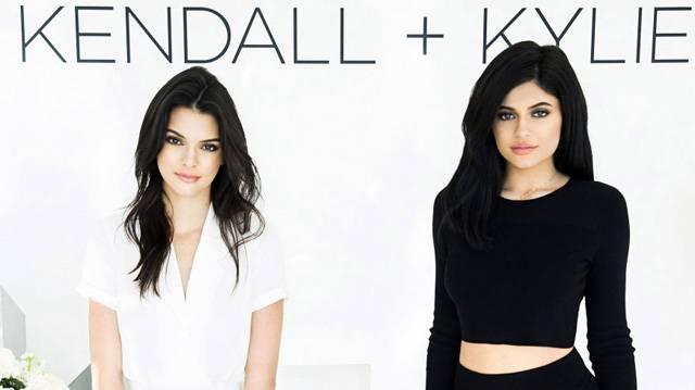 Kendall si Kylie Jenner au lansat o colectie de moda