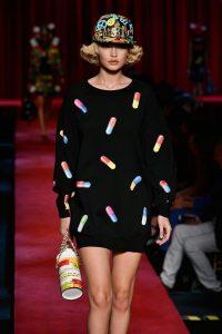Showul Moschino – o prezentare de moda ciudata 3
