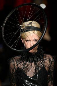 Showul Moschino – o prezentare de moda ciudata 4