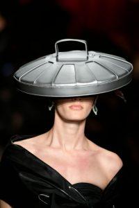 Showul Moschino – o prezentare de moda ciudata 5